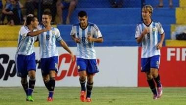 El delantero Matías Roskopf pudo convertir y darle un punto a la Argentina.