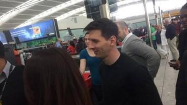 No se baja: Messi tiene un traumatismo en el pie, pero estará en los amistosos de la Selección.