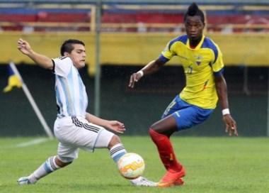 Argentina y Ecuador, clasificados al Mundial, no pudieron sacarse ventajas.