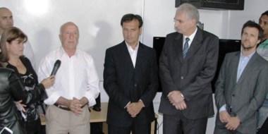 Linder, a la izquierda del vicegobernador Mac Karthy, ya había presidido el nosocomio entre 2001 y 2004.