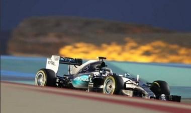 El dominio de Hamilton no cesa: pole en Bahréin por delante de Vettel.