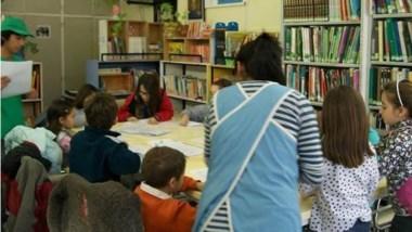 La biblioteca tiene 17 mil libros, la mayoría de ellos producto de donaciones.
