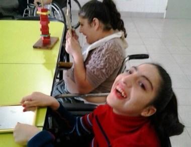 Pura sonrisa. El centro propone actividades de la vida cotidiana.