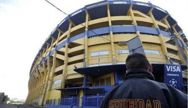 """La Bombonera, el mítico estadio """"Xeneize"""", recibiría una suspensión."""