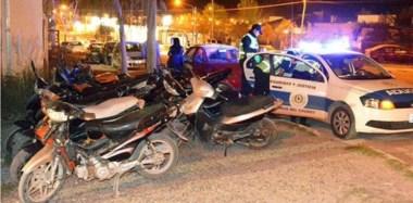 Durante el operativo, la fuerza policial  incautó motos y procedió a la detención de 6 personas, una con pedido de captura.
