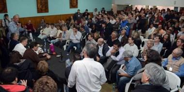 Una gran cantidad de autoridades, gremialistas y dirigentes se hicieron presentes en la sede del PJ.