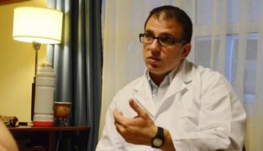 Tratamiento. El médico Patricio Blaya abordó la esclerosis múltiple.