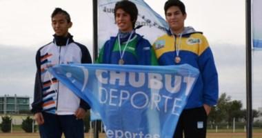 El atletismo volvió a aportar medalla de oro para la delegación chubutense en los Juegos de la Patagonia.
