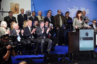 El gobernador Martín Buzzi  participó del  acto por la inauguración del Museo de Malvinas junto a Cristina.