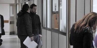 Policía concurrió al área administrativa del nosocomio en busca de documentación de vínculo con la causa.