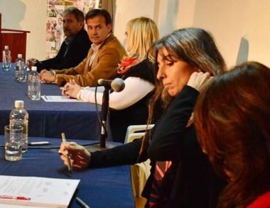 El vicegobernador durante la apertura de sobres para la licitación.