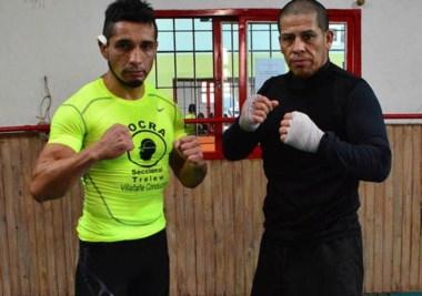 Fabricio Arévalo (izq), campeón argentino y sudamericano, posa con Marcelo Paredes, tras el entrenamiento.