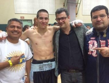 Ezequiel Matthysse junto a su staff luego del combate en EE.UU.