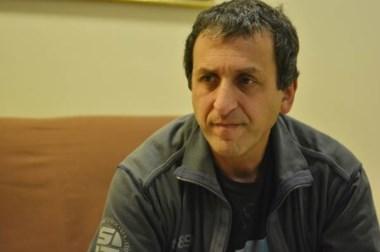 Enrique Eylenstein, pte. de la Asociación de Jugadores de Padel de Trelew, visitó la redacción de Jornada.