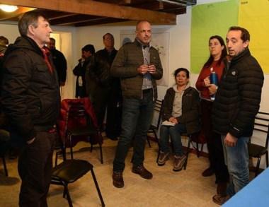 La visita. Martín Buzzi y Juan Garitano en Esquel acompañando a Ripa.