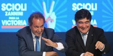 La fórmula oficial Scioli-Zannini ayer en el cierre de campaña en uno de los pabellones de Tecnópolis.