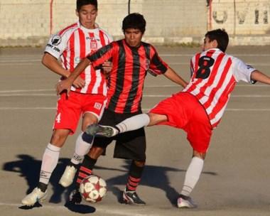 Racing e Independiente abrirán la fecha tercera. En imagen, partido  del Apertura 2014 en el Nacional 72.
