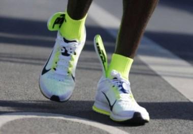 Kipchoge ganó la maratón de Berlín con las plantillas salidas de sus zapatillas Nike.