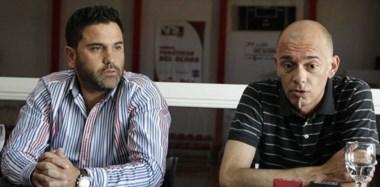 """Gustavo """"Flay"""" Álvarez, extécnico de Huracán, en conferencia de prensa junto a Pablo Mamet, presidente del """"Globo"""". Hoy asume el """"Tigre"""" Aguilar."""