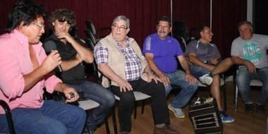 """Show. López Salaberry y un grupo de músicos y cantantes contarán """"La historia no autorizada del tango""""."""