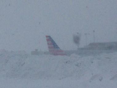El avión aterrizó de emergencia en Canadá, por pasajeros heridos a raiz de una fuerte turbulencia.