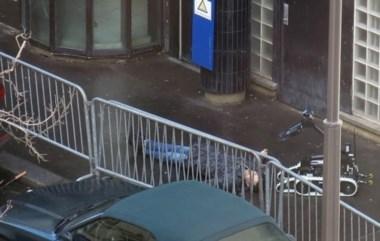 La Policía francesa mató a un hombre, que portaba un cinturón cargado de falsos explosivos y un cuchillo en la mano.