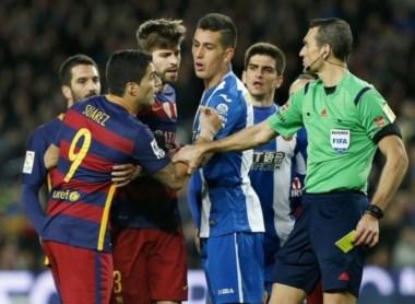 Suspendieron a Luis Suárez por provocar los incidentes ante el Espanyol.
