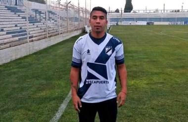 Luciano Nieto, de destacado rendimiento la pasada temporada, renovó contrato con Guillermo Brown.