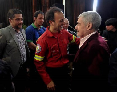 El gobernador anunció que se equipararán los salarios de los brigadistas con los de los guardafaunas.