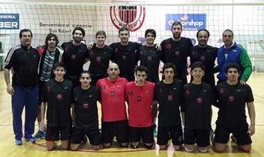Formación del equipo de Independiente de Trelew que logró en Santa Cruz la clasificación a la Liga A2 de voley durante el mes de septiembre.