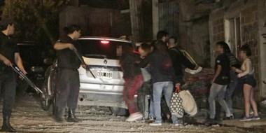 En el momento de ser derivadas las chicas, la Policía fue atacada a piedrazos en el barrio Planta de Gas.