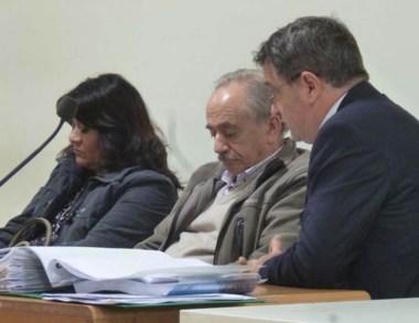 Mantuano y Barrientos en el inicio del juicio oral en Comodoro.