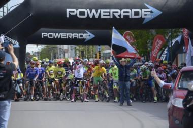 Laureano Rosas se coronó campeón de la VII edición de la Vuelta al Valle.