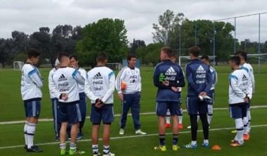 Claudio Úbeda dirigió su primera práctica al frente del seleccionado argentino Sub 20.