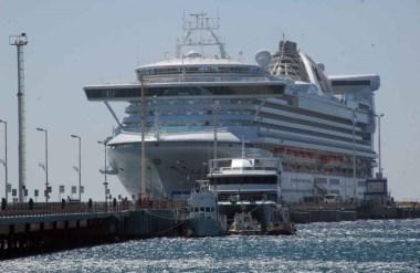 Las ciudades flotantes vuelven a Madryn con la expectativa de seguir generando divisas en la ciudad portuaria.