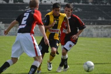 Deportivo Madryn derrotó a Gaiman por 3 a 1 en la Villa Deportiva.