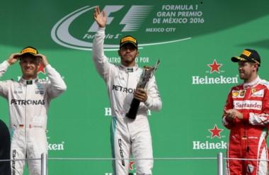 Hamilton sumó la victoria número 51 de su carrera y octava de la temporada.