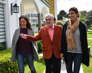 Trío. Stanley, Das Neves y Awada ingresan a la Residencia Oficial en el inicio de su activa agenda en el Valle.