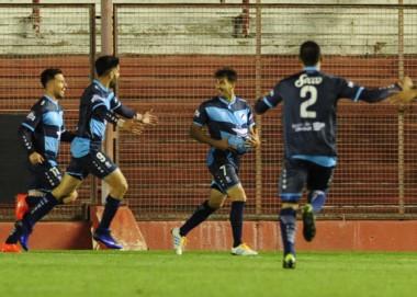"""Strada anotó el segundo gol de """"La Banda"""" en el inicio del segundo tiempo."""