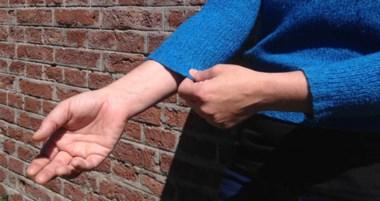 Investigadores del CONICET logran un efecto anti encogimiento en las prendas de ese material.