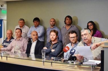 """Lectura del documento. La agrupación marcó postura sobre el futuro político: """"Esto recién comienza""""."""