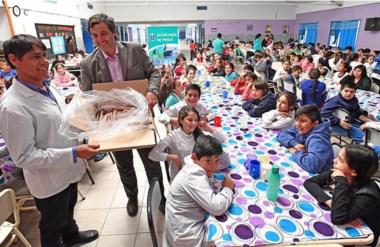 En esta ocasión, la entrega equivale a 400 filetes y benefició a la Escuela Nº 47 de la capital provincial.