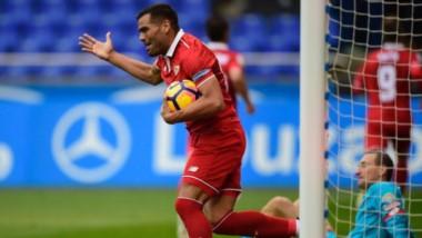Mercado pescó un rebote del arquero y conquistó el gol de la victoria.