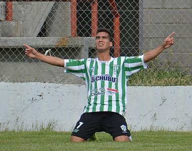 Rodrigo Biss festeja el único gol del partido. Germinal le sacó siete puntos a Racing en la tabla de posiciones.