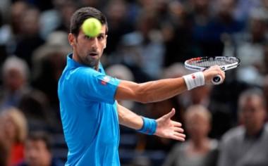 Djokovic remonta su partido Nº 900, venció 4-6, 6-2 y 6-3 a Dimitrov. Debe ser finalista para que Murray no sea Nº 1.