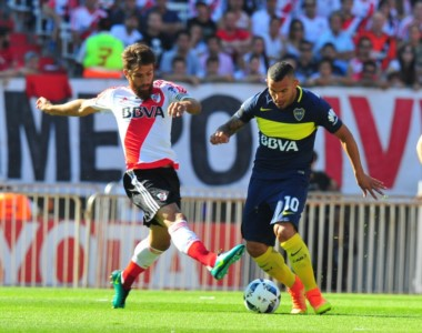 Con la batuta de Tevez, Boca se llevó un Superclásico vibrante,