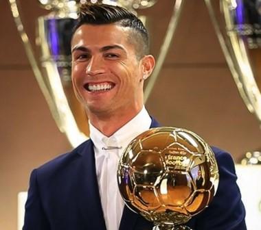 Cristiano Ronaldo gana el Balón de Oro 2016.