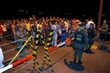 Nicolás Maduro ordena un nuevo cierre temporal de la frontera con Colombia.