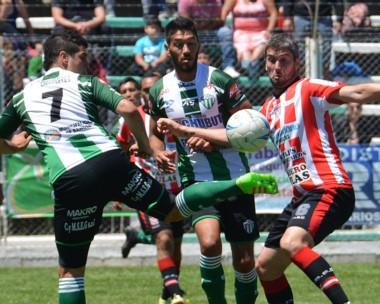 Damián Salinas, uno de los jugadores más regulares, fue amonestado el domingo. puede perderse la vuelta.