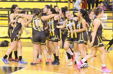 """Las chicas del """"Depo"""" igualaron la serie final contra su clásico rival y hoy se define el campeón femenino."""